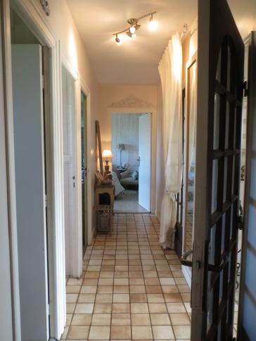 7-maison-de-laure_plouezoch_couloir-privatif-chambre-familiale-rdc